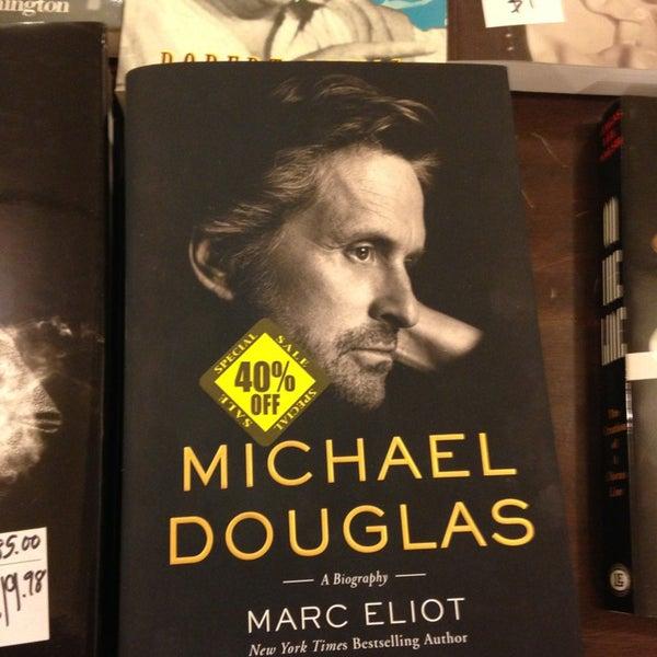 Foto tomada en Drama Book Shop por Steven G. el 2/14/2013