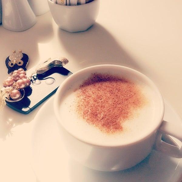 3/16/2013 tarihinde Işıl M.ziyaretçi tarafından LimonH₂O Cafe Bistro'de çekilen fotoğraf