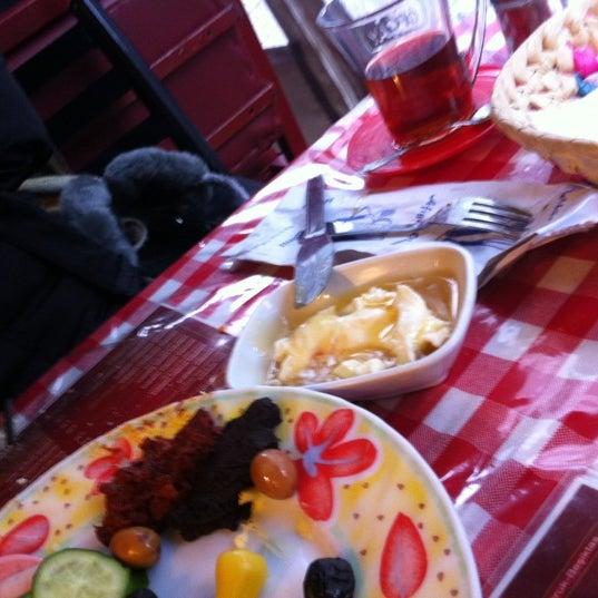 12/16/2012 tarihinde Gaye Ş.ziyaretçi tarafından Café Faruk'de çekilen fotoğraf