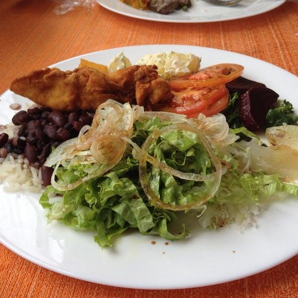 Foto tirada no(a) Restaurante da Família por Marieli Z. em 10/25/2013