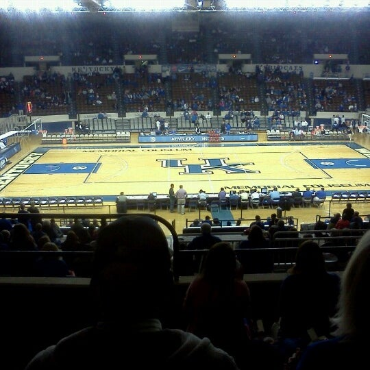 Photo taken at Memorial Coliseum by Dave R. on 12/28/2012