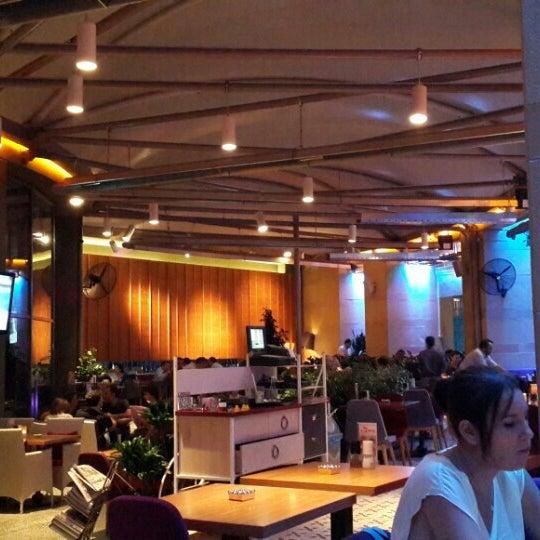 6/14/2013 tarihinde !$t€m!h@n @.ziyaretçi tarafından Ve Cafe & Restaurant'de çekilen fotoğraf