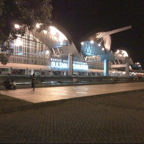 Photo taken at Sultan Hasanuddin International Airport (UPG) by Mulyadi on 4/5/2013