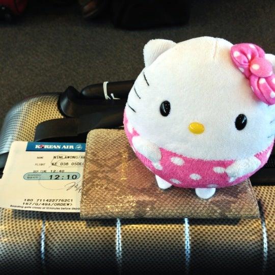 Photo taken at Korean Air Lounge by Amy N. on 12/5/2012