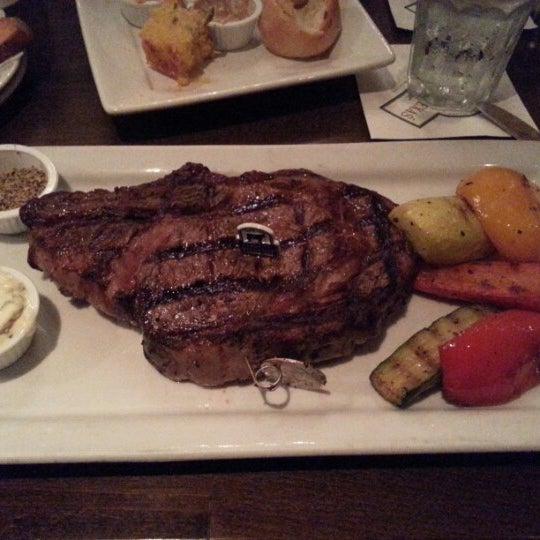Foto tomada en Taste of Texas por Ivan A. el 11/11/2012