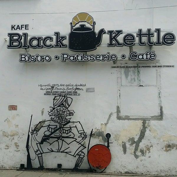 Photo taken at Black Kettle by Shkr R. on 1/7/2017
