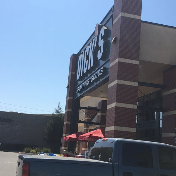 Tienda deportiva de Dick goods location
