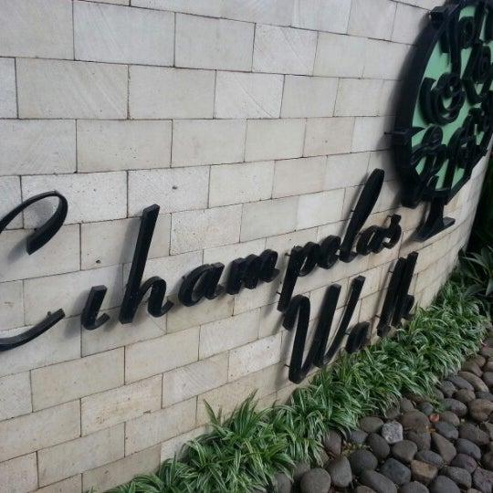 Photo taken at Cihampelas Walk (CiWalk) by Iwan S. on 12/24/2012