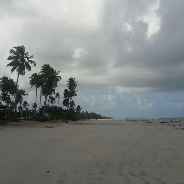Foto tirada no(a) Praia de São Miguel dos Milagres por Anderson A. em 6/27/2017