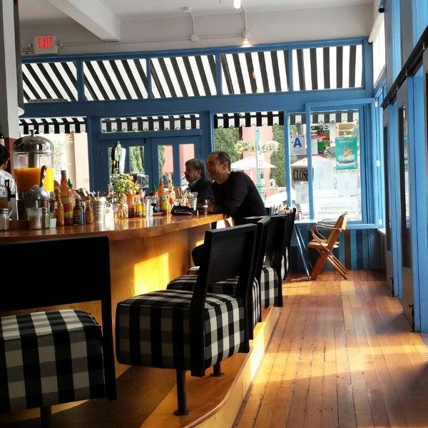 รูปภาพถ่ายที่ Harbor Breakfast โดย jenni k. เมื่อ 12/1/2014