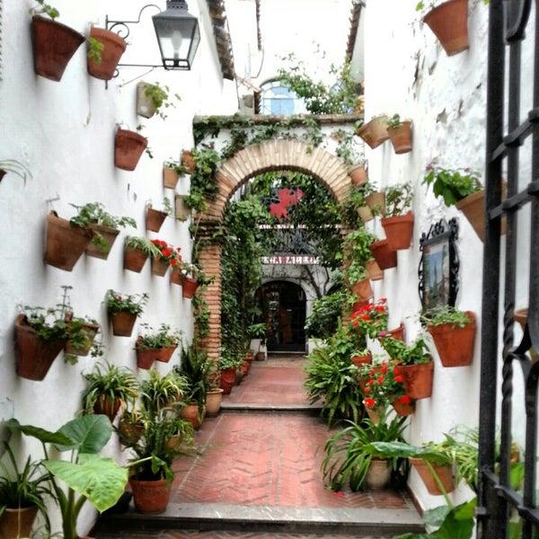 Photo taken at Restaurante El Caballo Rojo by Alberto G. on 11/22/2012