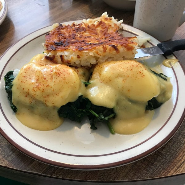 Best hash browns in town. Love the fresh spinach in the eggs Florentine. Service is always great, and they have Cafe Moto coffee. One of the best spots for breakfast in San Diego.