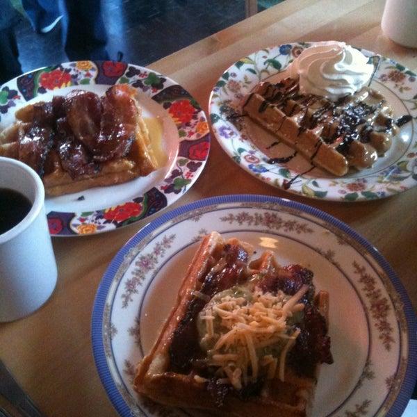 Foto tirada no(a) The Waffle Window por Zeke S. em 1/19/2013