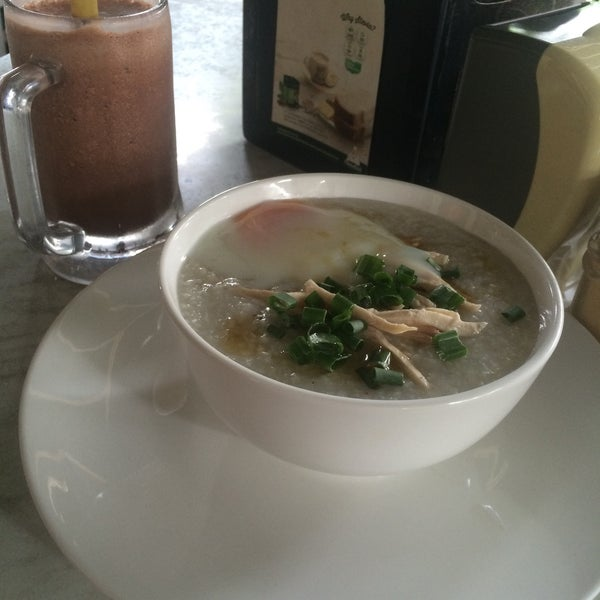 Photo taken at PappaRich by siti a. on 2/14/2016