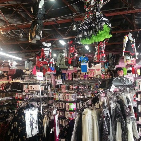 Erotic cabaret boutique