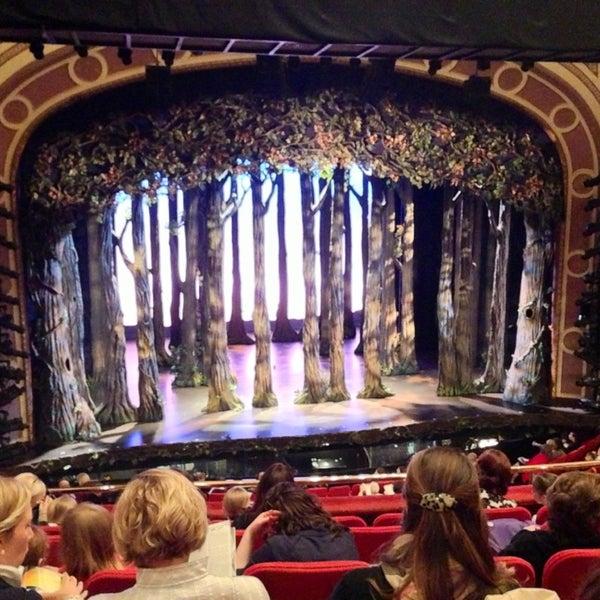 5/19/2013にAlisa R.がBroadway Theatreで撮った写真