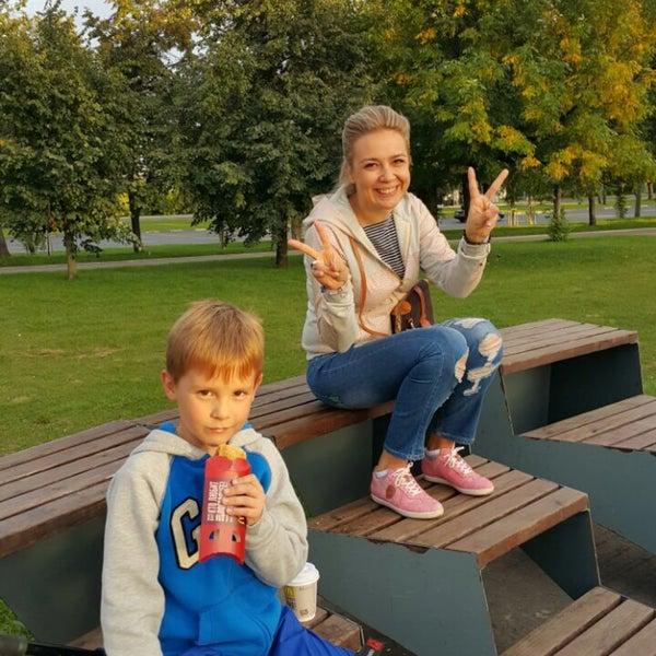 Das Foto wurde bei Скейт-парк «Садовники» von Valentina am 9/10/2016 aufgenommen