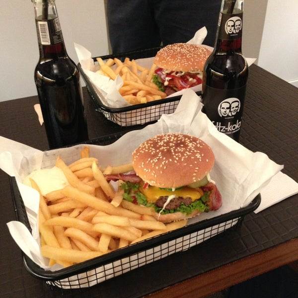 beef brothers burger joint in neustadt nord. Black Bedroom Furniture Sets. Home Design Ideas