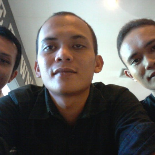 Photo taken at Coffee Town Kaya Toast by Renold P. on 11/14/2012
