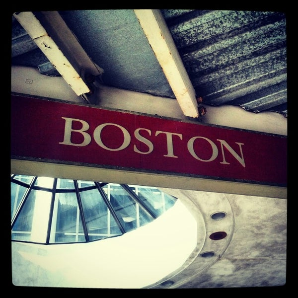 Photo taken at South Station Terminal (MBTA / Amtrak) by Wil R. on 11/4/2012