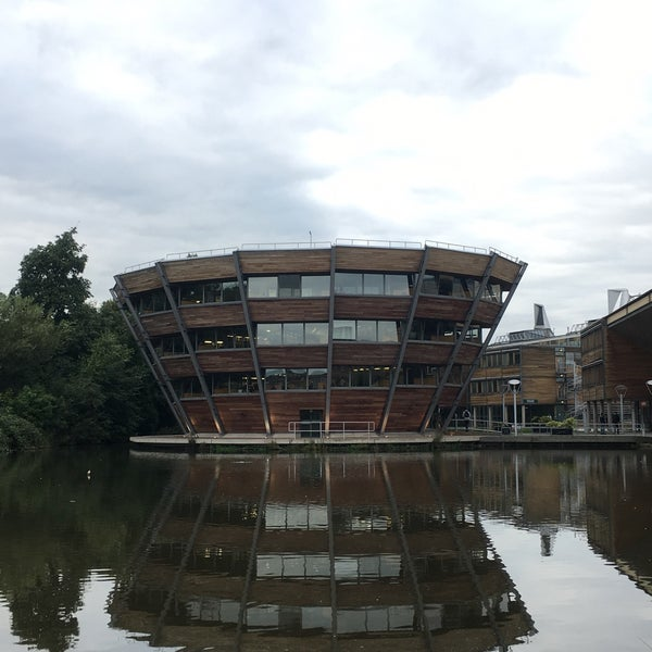 Photo taken at Djanogly Learning Resource Centre by Bella on 10/7/2016