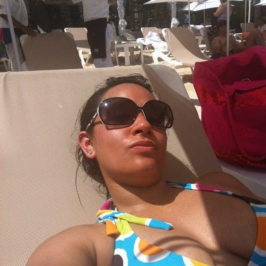 Foto tomada en Kool Beach Club por Nads el 9/14/2012