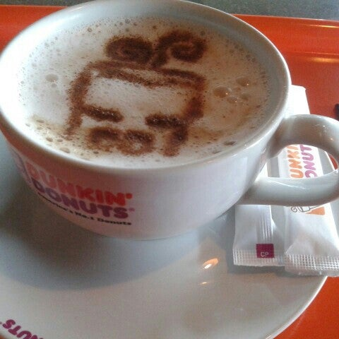 Photo taken at Dunkin' Donuts by Sepeda Nenek A. on 11/11/2015