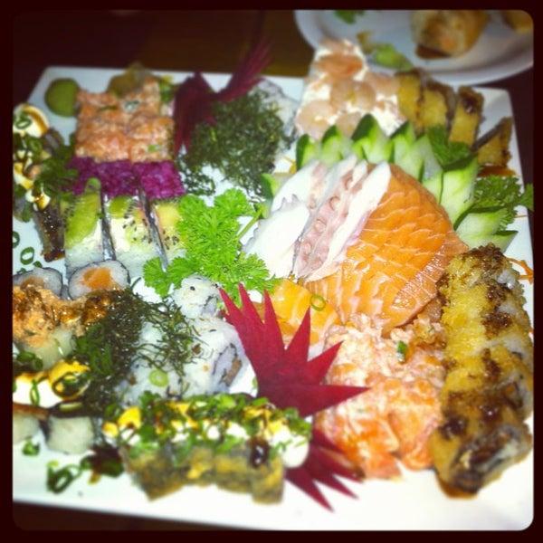 Foto tirada no(a) Hachi Japonese Food por PY em 12/17/2012