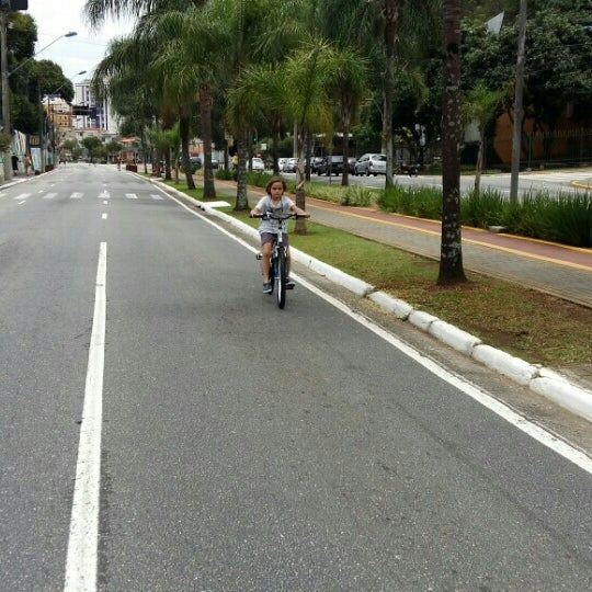 Photo taken at Avenida Presidente Kennedy by Fabíola T. on 12/20/2015