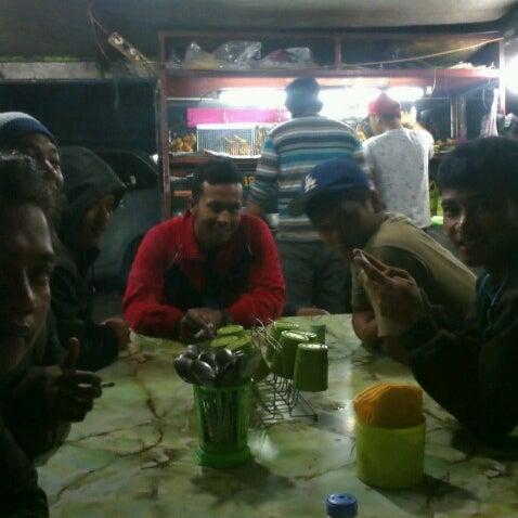 Photo taken at Pasar kaget berastagi by Yudi B. on 12/22/2012