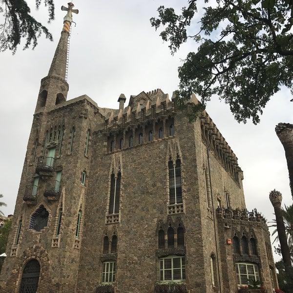 Foto tomada en Torre Bellesguard por Henrietta Gréta I. el 10/19/2016