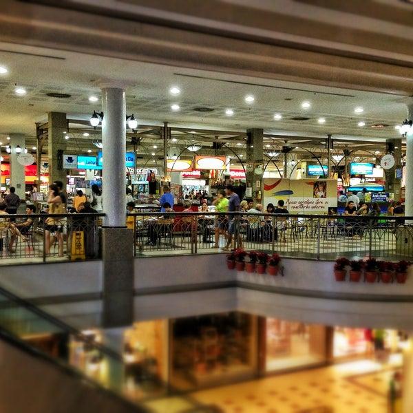 Foto tirada no(a) Shopping Del Paseo por Haroldo F. em 4/28/2013