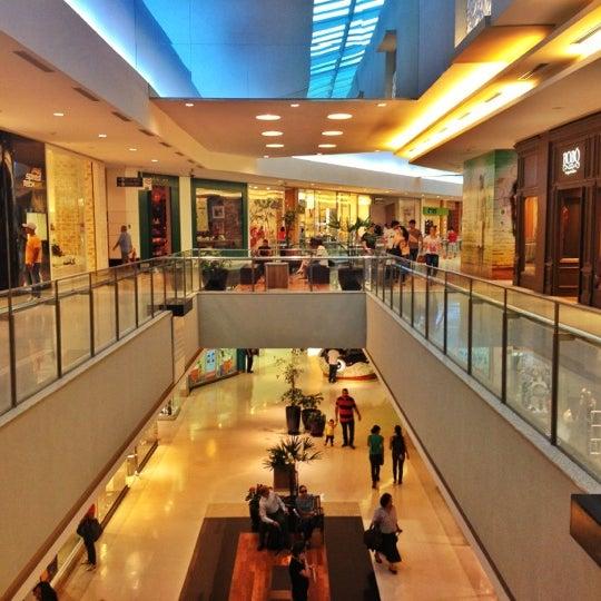 Photo taken at Shopping Recife by Haroldo F. on 10/10/2012