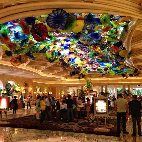 Photo prise au Bellagio Hotel & Casino par Haroldo F. le5/17/2013
