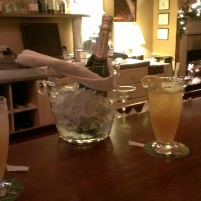 Foto diambil di Sahara Restaurant oleh Theo C. pada 12/31/2012