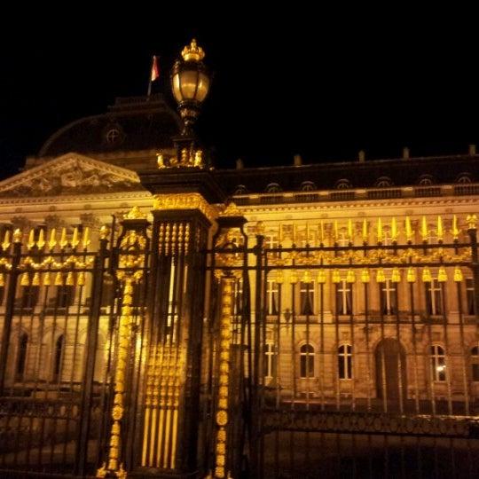 Photo taken at Paleizenplein / Place des Palais by Jang Young K. on 10/31/2012