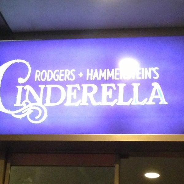 2/8/2013にPhilip Y.がBroadway Theatreで撮った写真