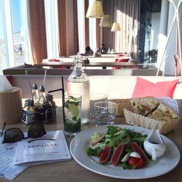 """Очень дружелюбный персонал, приятный интерьер, вкусная паста. Салат с тунцом и местный """"Наполеон"""" бесподобны👌"""