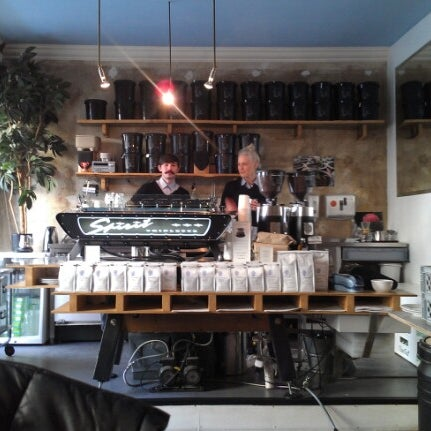 Снимок сделан в Bonanza Coffee пользователем Adam L. 11/14/2012