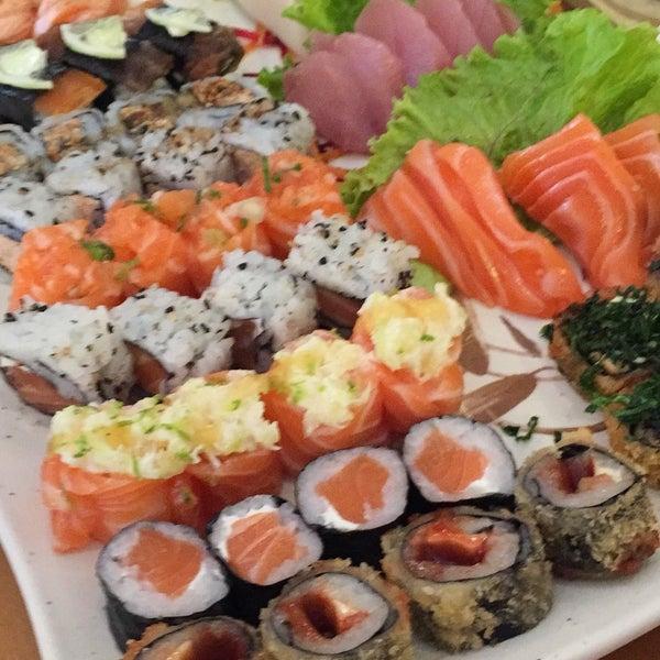 Foto tirada no(a) Sushi Koba por Thaís M. em 9/1/2016