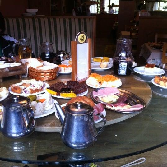 Foto tirada no(a) Bela Vista Café Colonial por Rafael T. em 11/24/2012