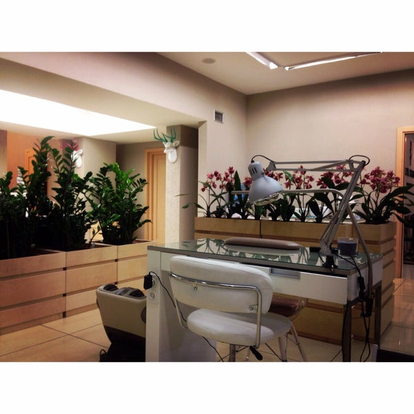 Photos At The Academy Of Nail Design By Yuliya Stadnik Nail Salon