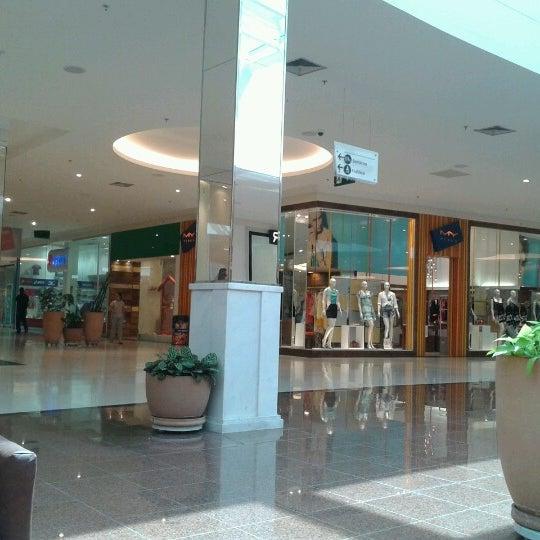 Foto tirada no(a) Boulevard Shopping Campos por 💖Caroline M. em 1/10/2013