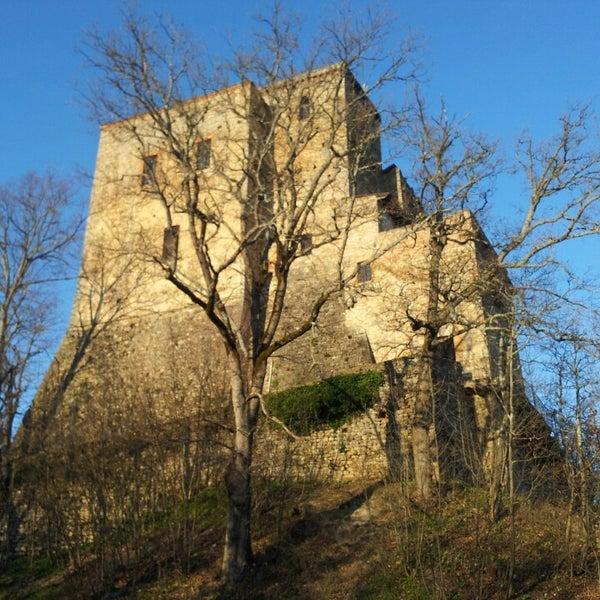 Foto scattata a Castello di Zavattarello da Pino il 3/9/2014
