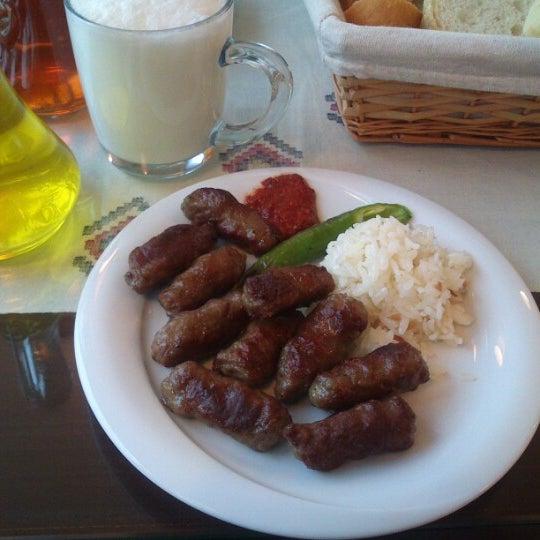 12/16/2012 tarihinde Riza Emrah A.ziyaretçi tarafından Köfteci İbrahim'de çekilen fotoğraf