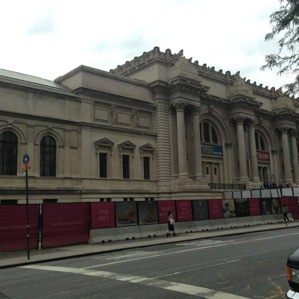 Photo taken at Metropolitan Museum of Art by Marilza H. on 9/16/2013