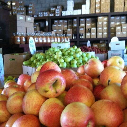 Photo taken at Boa Vista Orchards by Vicky W. on 10/7/2012