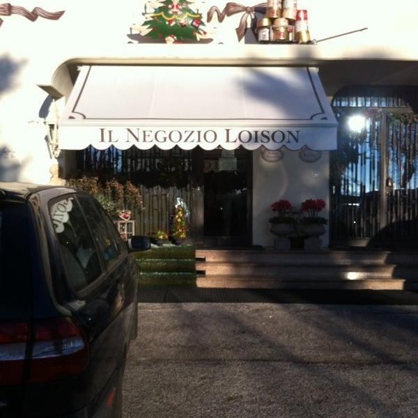 Foto scattata a Loison Pasticceri dal 1938 da Luca DL il 12/19/2012