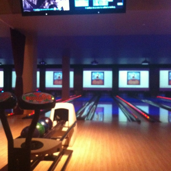 Photo taken at Lucky Strike New York by Robbie P. on 1/2/2013