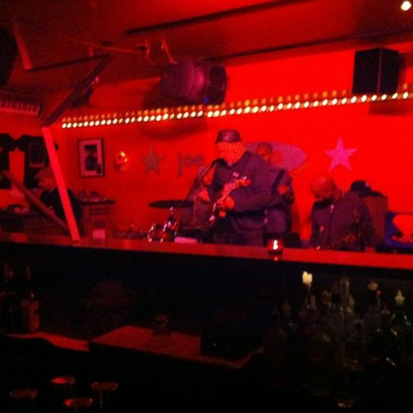 Photo taken at Joe Mamas by TorontoDrinksWeekly on 1/11/2013
